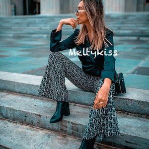 Zara Pants - ZARA AW18 FLOWING FLARED CHAIN PRINT PANTS_XS/S